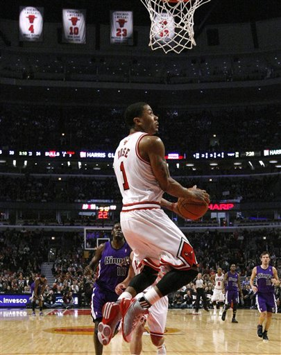 chicago bulls derrick rose dunk. chicago bulls derrick rose