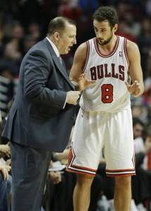 Thibs tries to sell Belinelli a watch, the Italian says he can get a better deal on Maxwell Street.