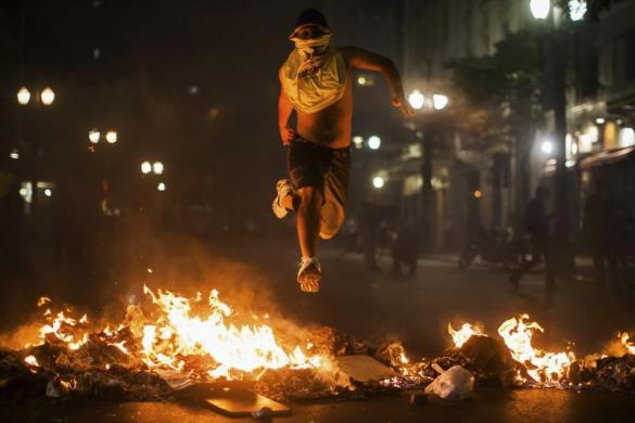 Brasil jumping over fire
